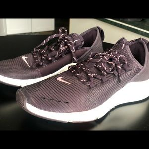 Nike Zoom runners size 7